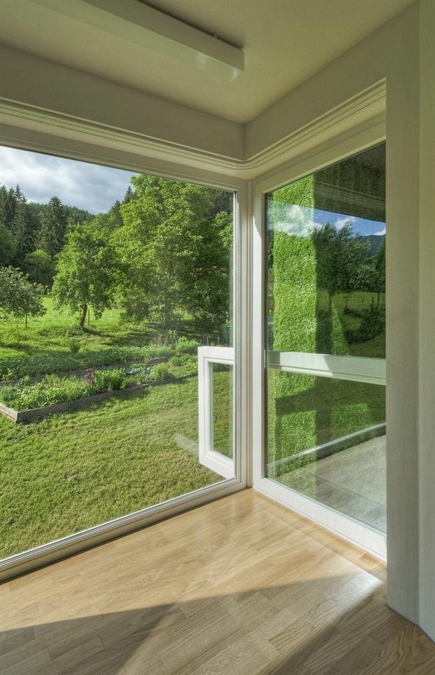 في النمسا واحد من أغرب المنازل التي شيدت وتم تغطيتها بالعشب الأخضر Grass-Covered-House-in-Frohnleiten-by-ORTIS-GmbH-21