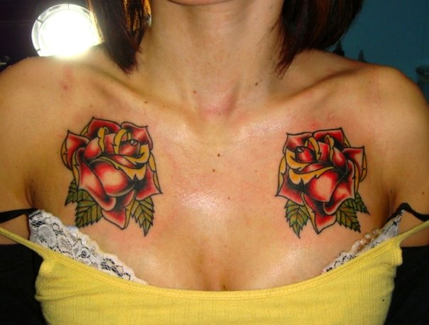 Flowers tattoos design girls chest tattoos for Chest tattoos for women