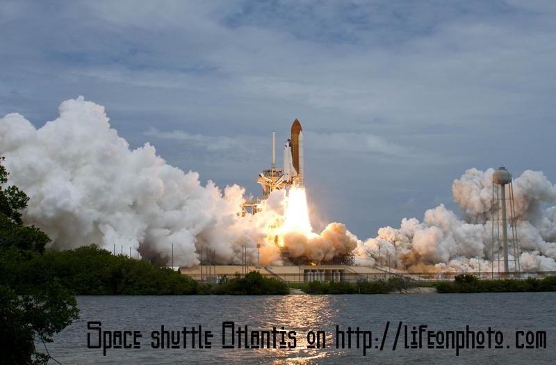 Space Shuttle Atlantis : подготовка к полёту и запуск