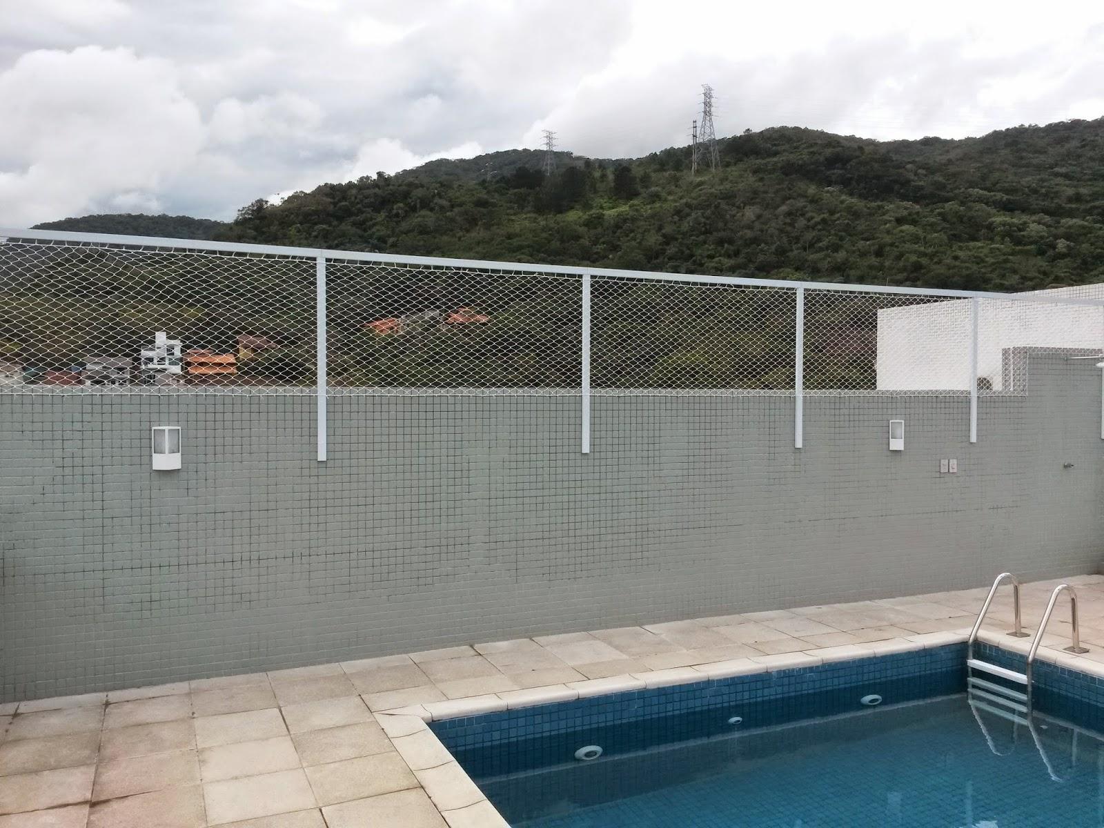 Al m redes de prote o para crian as e animais de for Tela para muro verde