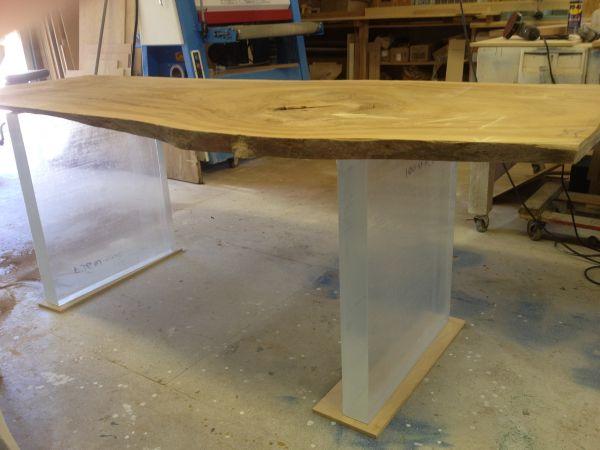 Lucite/Plexiglass Acrylic Table Legs   $500 (Rochester)  Http://boston.craigslist.org/sob/fuo/3404348357.html