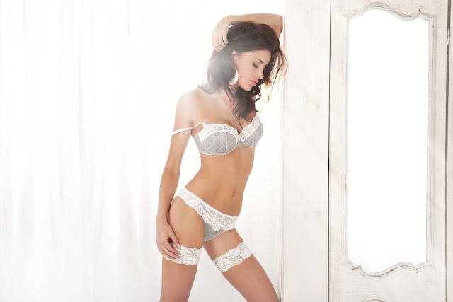 "Natalia Siwiec – ""Alles"" Lingerie Glamour Collection 2012"