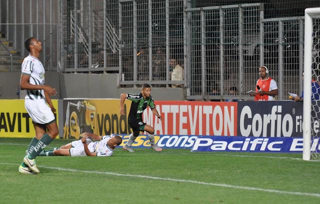 Richarlison marcou o único gol do América-MG na derrota por 2 a 1 para o Luverdense (Foto: Carlos Cruz/América-MG)