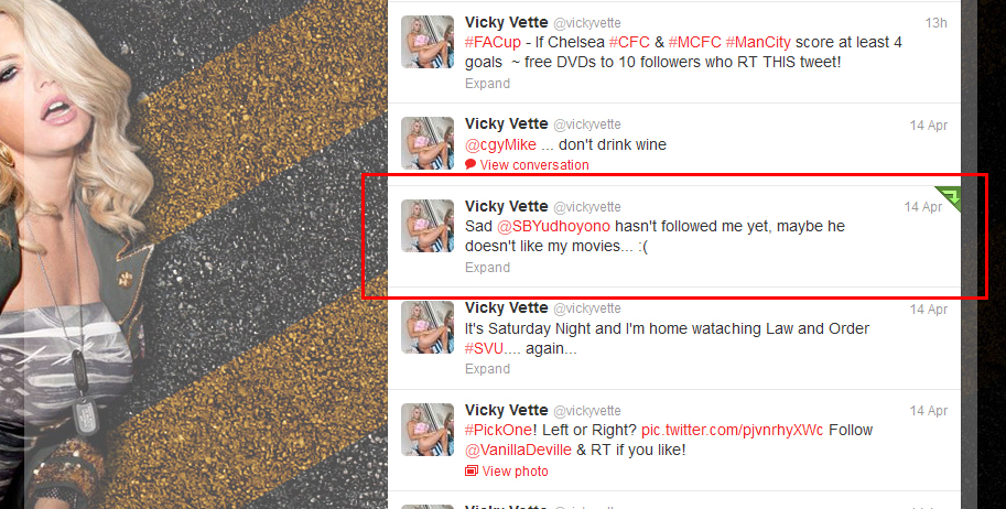 Bintang P*rn* Vicky Vette Kecewa Tidak di Follow Pak SBY di Twitternya