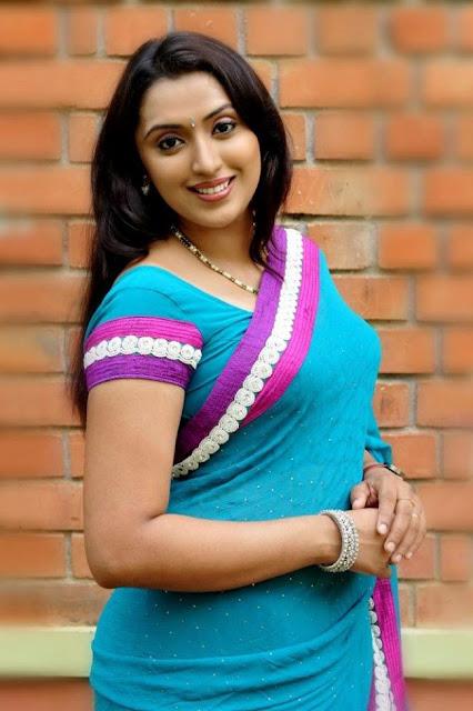 Sexy Malayalam actress