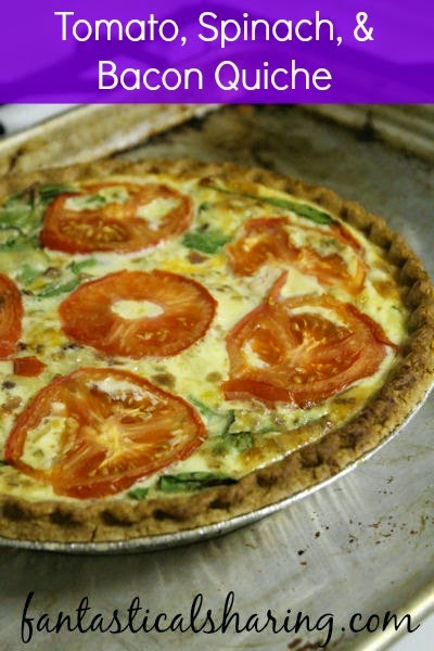 Tomato, Spinach, & Bacon Quiche | A good quiche is hard to beat when it comes to having a perfect breakfast #quiche #recipe #breakfast #bacon