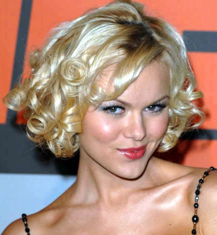 spiral curls hairstyles. s curl hairstyle.