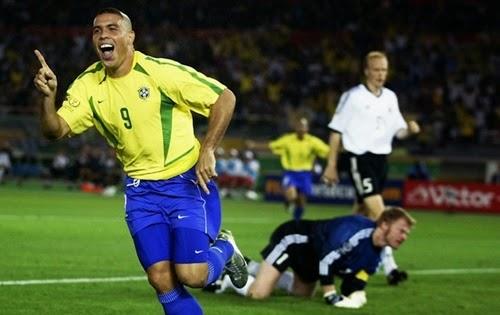 Comemoração de Ronaldo final da copa do mundo 2002