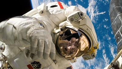 Fakta Pentingnya Baju Astronot di Ruang Angkasa