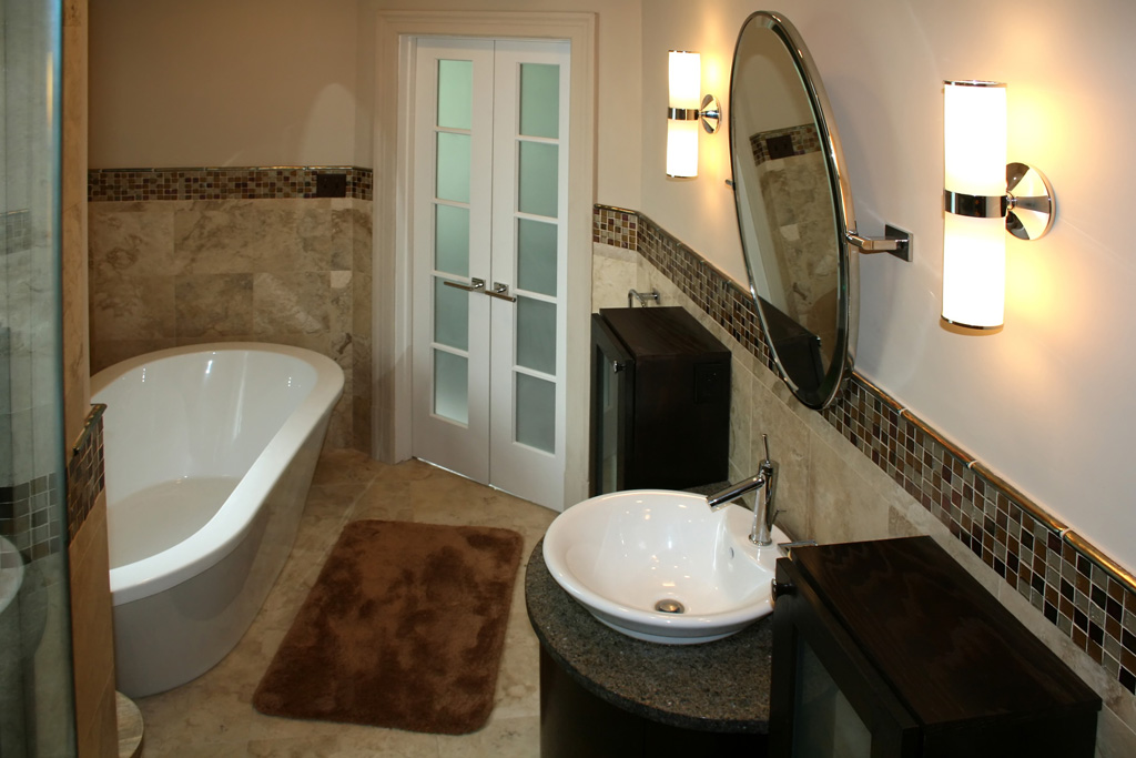 Travertine marble bathroom designs for Bathroom designs glass