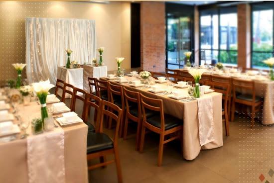 Modern Filipino wedding motif at Max's Restaurant