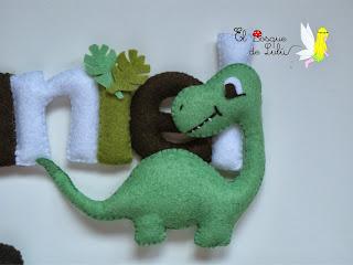 nombre-fieltro-dinosaurios-Daniel-name-banner-decoración-infantil