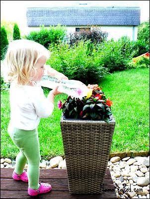 Mama Pea Pod Outdoor Play Party DIY Watering Can