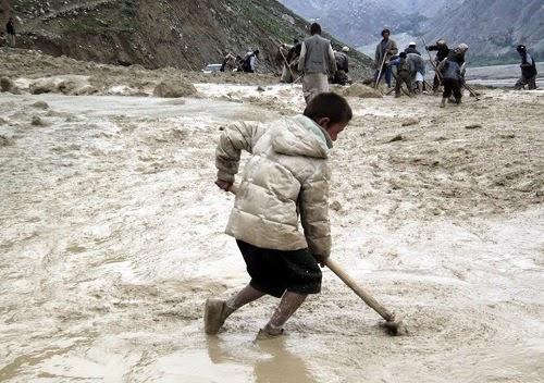 Más de 100 muertos por inundaciones y deslizamientos de tierra en Afganistan, 8 de junio 2014