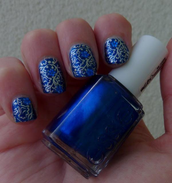nail-art fleurs bleues