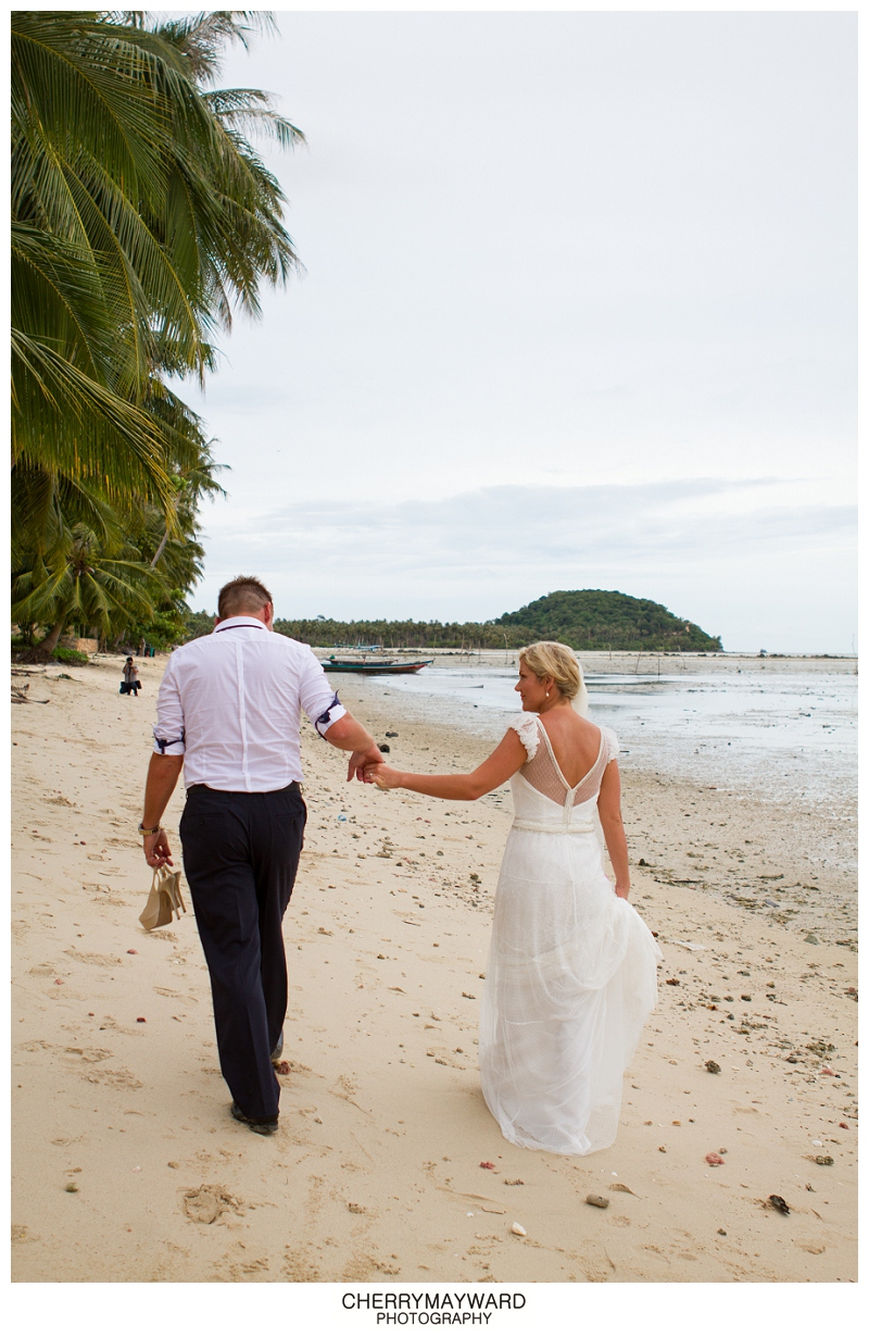 Bride and Groom portraits walking along the beach, Koh Samui, Destination wedding, Thailand