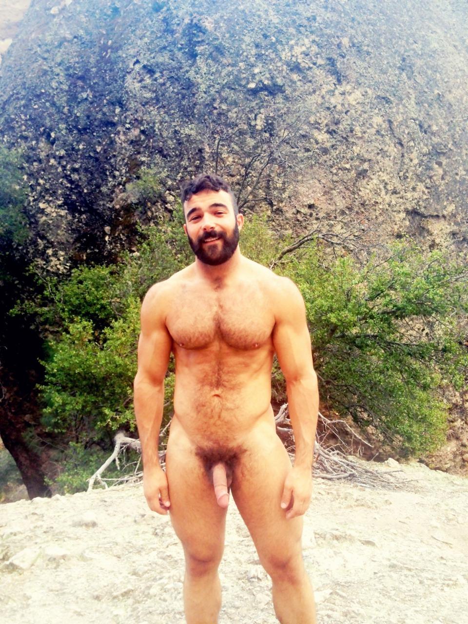 Fotos hot calientes de hombre con barba desnudo y
