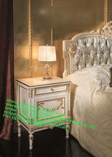 Nakas klasik high class,Mebel jepara mebel jati jepara mebel jati ukiran jepara nakas jati ukir klasik cat duco classic furniture jati jepara code NKSJ 188 nakas klasik duco high class