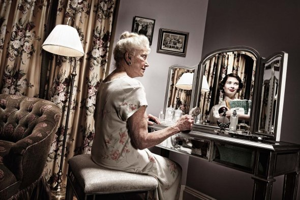 reflections of the elderly photo series actress