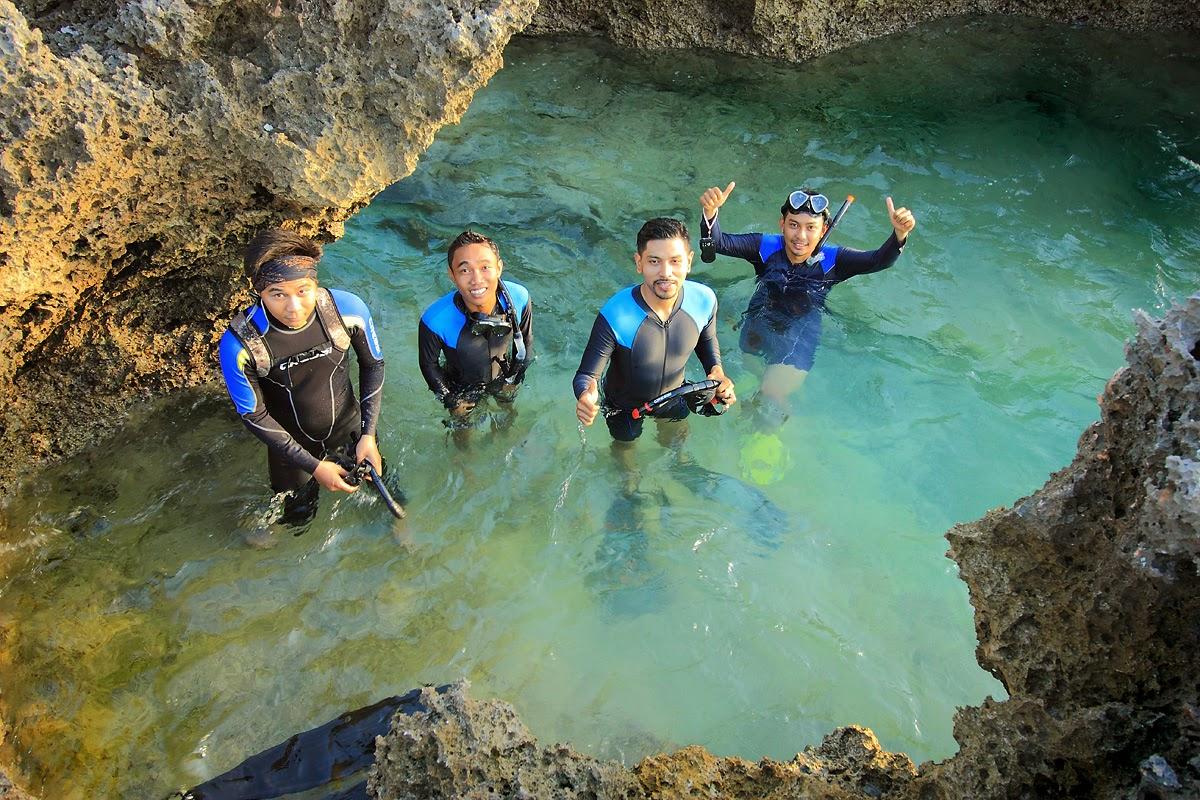 Before snorkling in Tenau sea