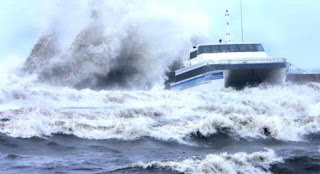 Nasib Nelayan Ketika Gelombang Laut Tinggi