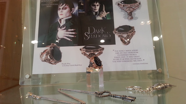 Johnny Depp, ring, jewellery, Dark Shadows
