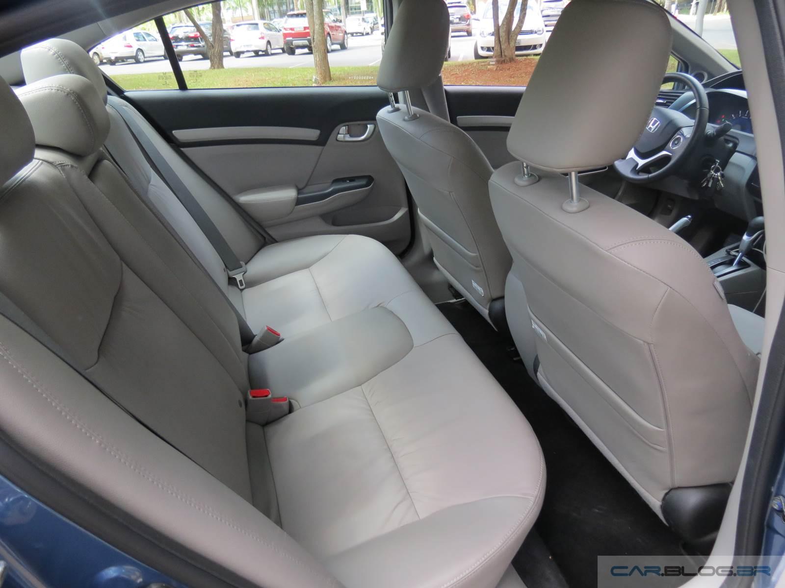 Honda Civic EXR 2.0 - interior - espaço traseiro