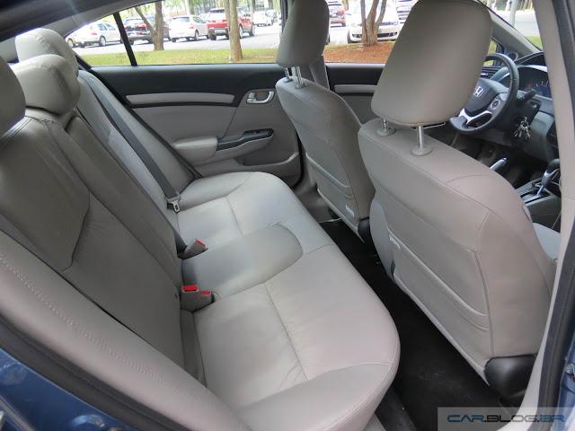 Novo Honda Civic EXR 2016 - espaço traseiro