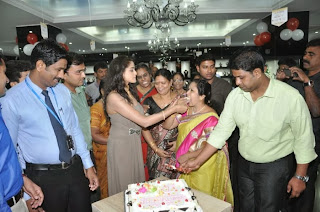 Actress Asmitha Sood Pictures at Joyalukkas Show Room 1 Year Celetion  0054.jpg