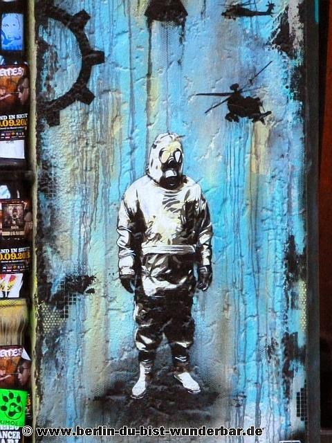 streetart, berlin, kunst, graffiti, street art, mural, wandbild, Plotterrobboter KEN