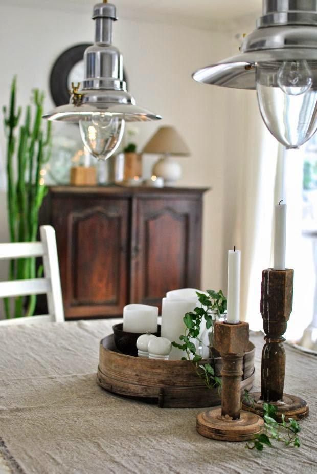 matbord träljusstakar tvskåp