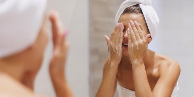 Cantik : lima hal penting yang paling dibutuhkan kulit wajah