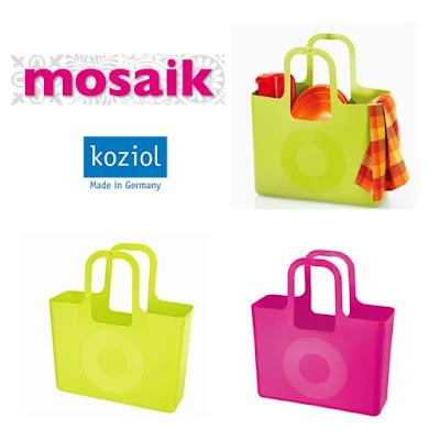 Väskor från Koziol i mustard green och solid pink på Mosaik i Luleå