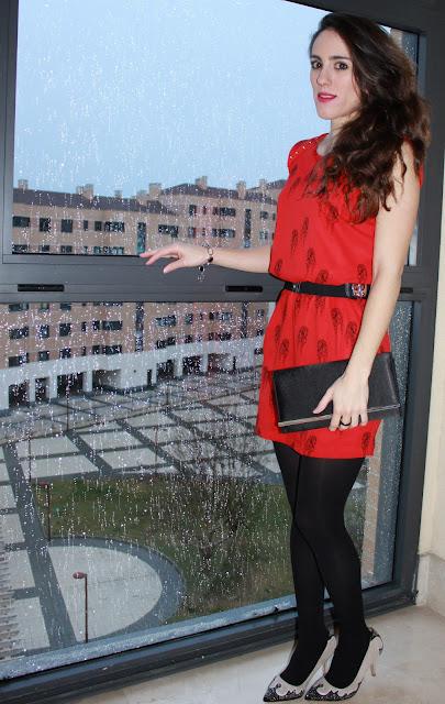 look con vestido rojo