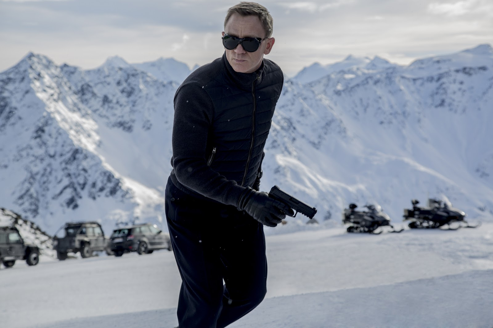 First Look of Daniel Craig as James Bond in Spectre