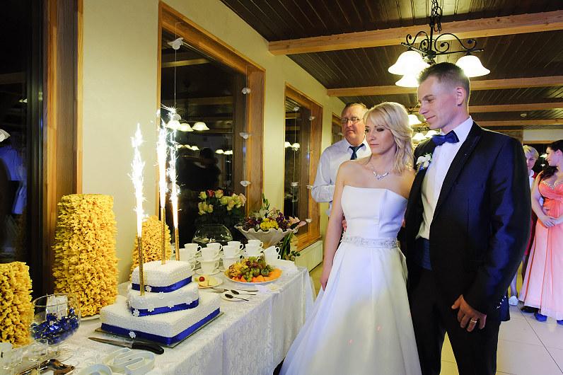 prabangus vestuvinis tortas