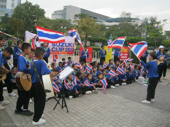 Thai kids as cheering squad