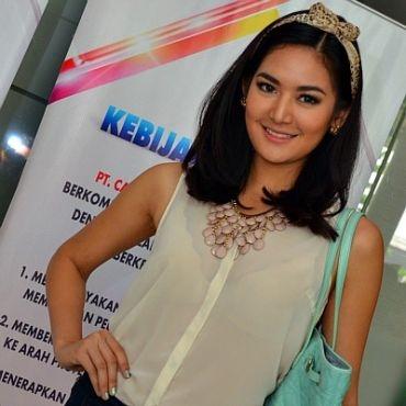 The Punk Fashion: Maria Selena Beauty Fashion Dress Miss ...