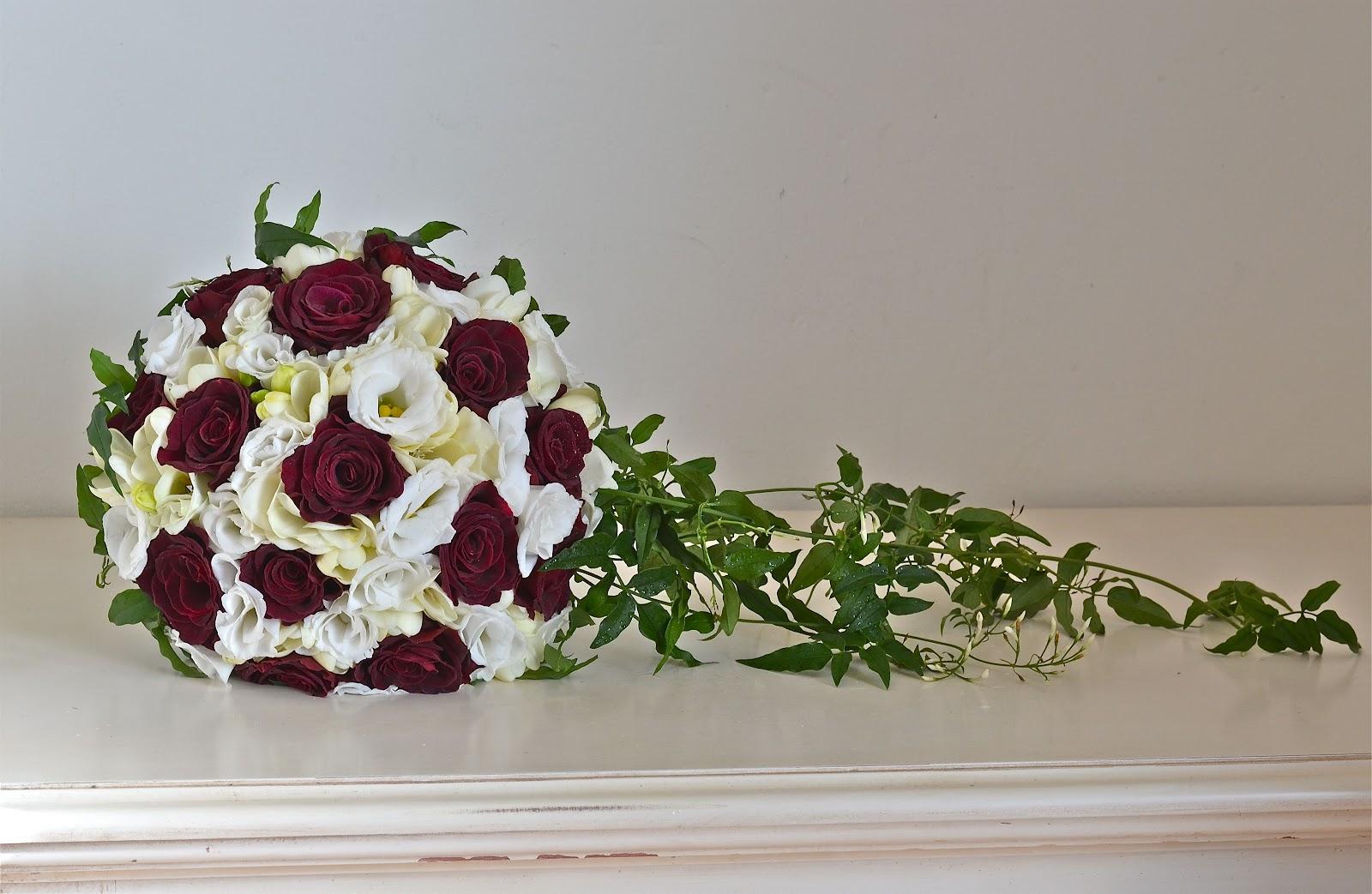 Wedding flowers blog tas burgundy and white wedding flowers tas burgundy and white wedding flowers elmers court hotel mightylinksfo