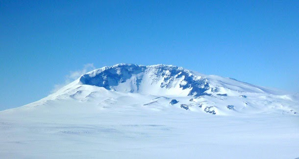 Vulcão ativo descoberto sob camada de gelo da Antártida