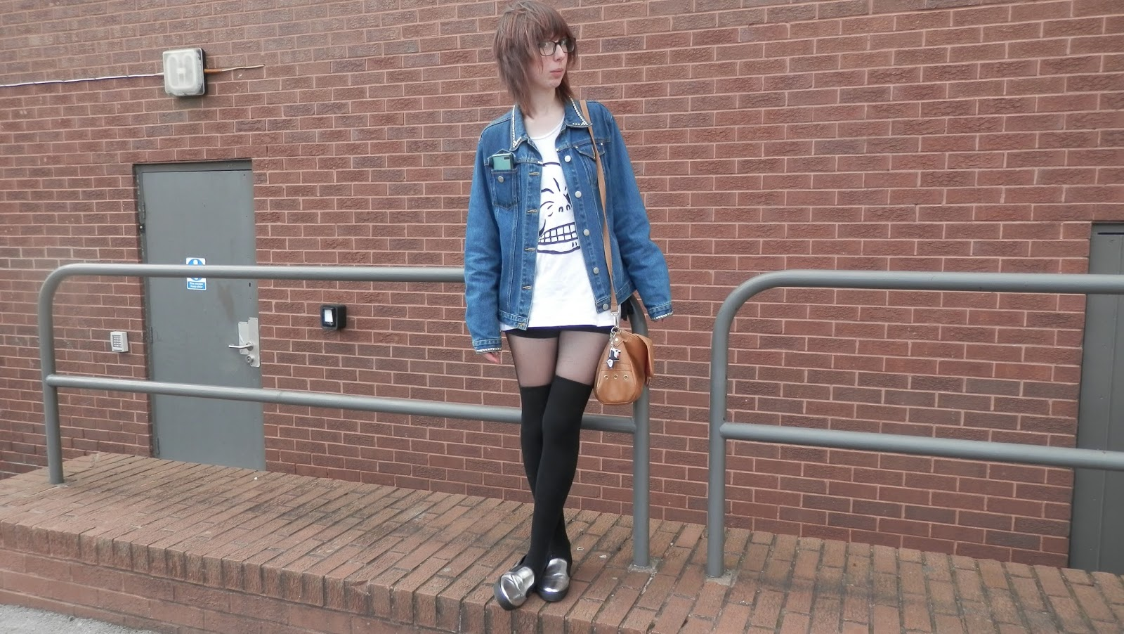 Cheap Monday Tee outfit, Over knee socks outfit