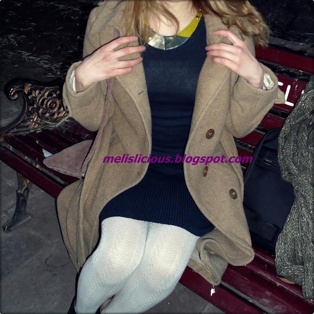 beyaz örgü çoraplı kombin