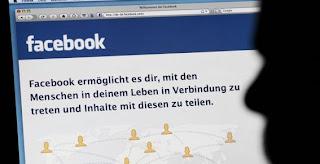 """Si te hackean tu cuenta de Facebook o simplemente, por alguna razón, no puedes recordar la contraseña, Facebook tiene una nueva manera de ayudarte o, de hecho, tus amigos tendrán una nueva manera de ayudarte. El sistema se llama """"trusted friends"""" y permitirá que en el evento de no poder entrar a tu cuenta, Facebook le envíe un código a 3 o 5 amigos previamente designados para que te lo pasen a ti y puedas reestablecer tu contraseña. El sistema es interesante: en vez de hacer todos los pasos para """"recuperar la contraseña"""" que suelen demorar mucho, un amigo te"""