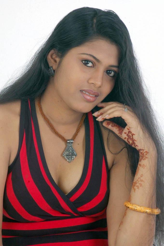 http://2.bp.blogspot.com/-dUCIW5pR2EE/TfMlEmq6N7I/AAAAAAAAIQI/yKFgI1H5T5U/s1600/Arithaaram%2B_8_-0009indian%2Bmasala_01indianmasala.blogspot.com.jpg