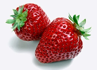 Get Rid of Acne Using a Strawberry Mask