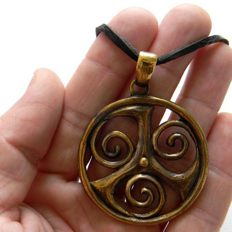 """Кулон """"Трискеле"""" купить бронзовые ювелирные изделия кельтика"""