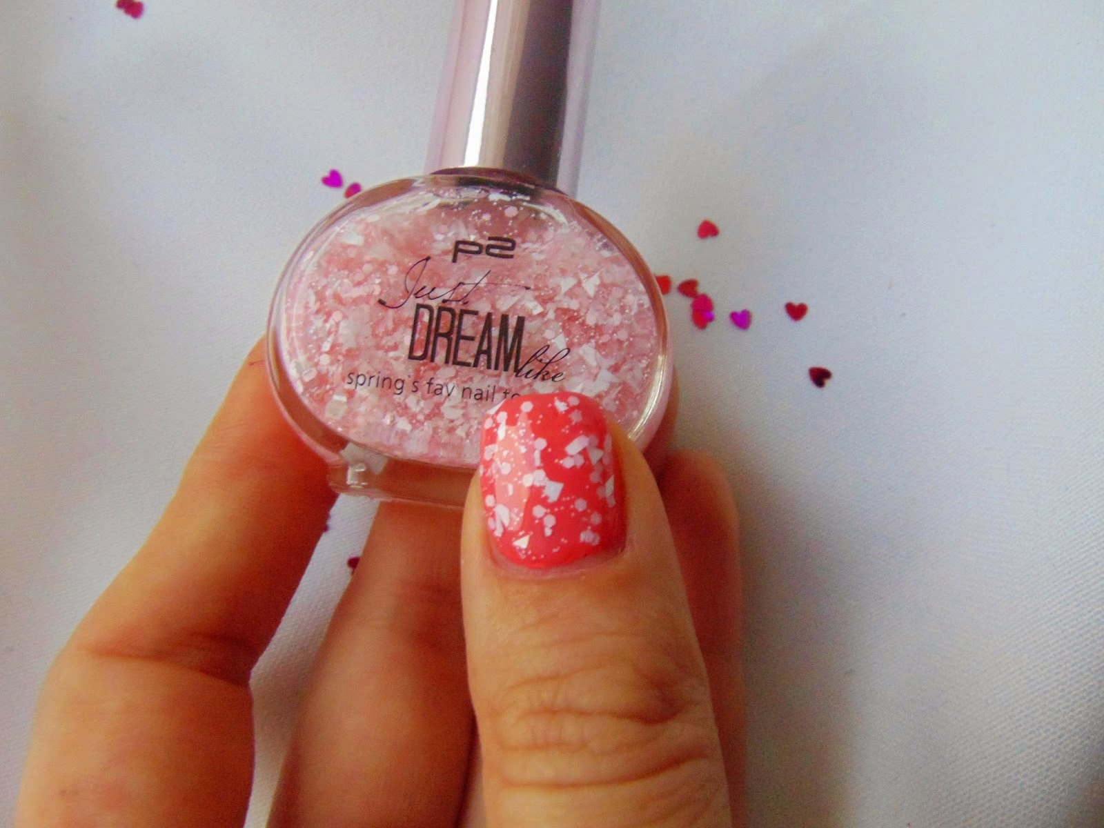 p2 Limited Edition: Just dream like - spring's fav nail top coat - Peach delight dots Swatch - www.annitschkasblog.de