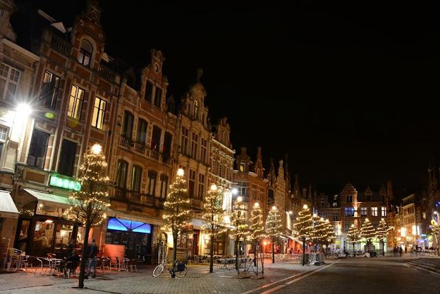 Leuven by night Oude Markt