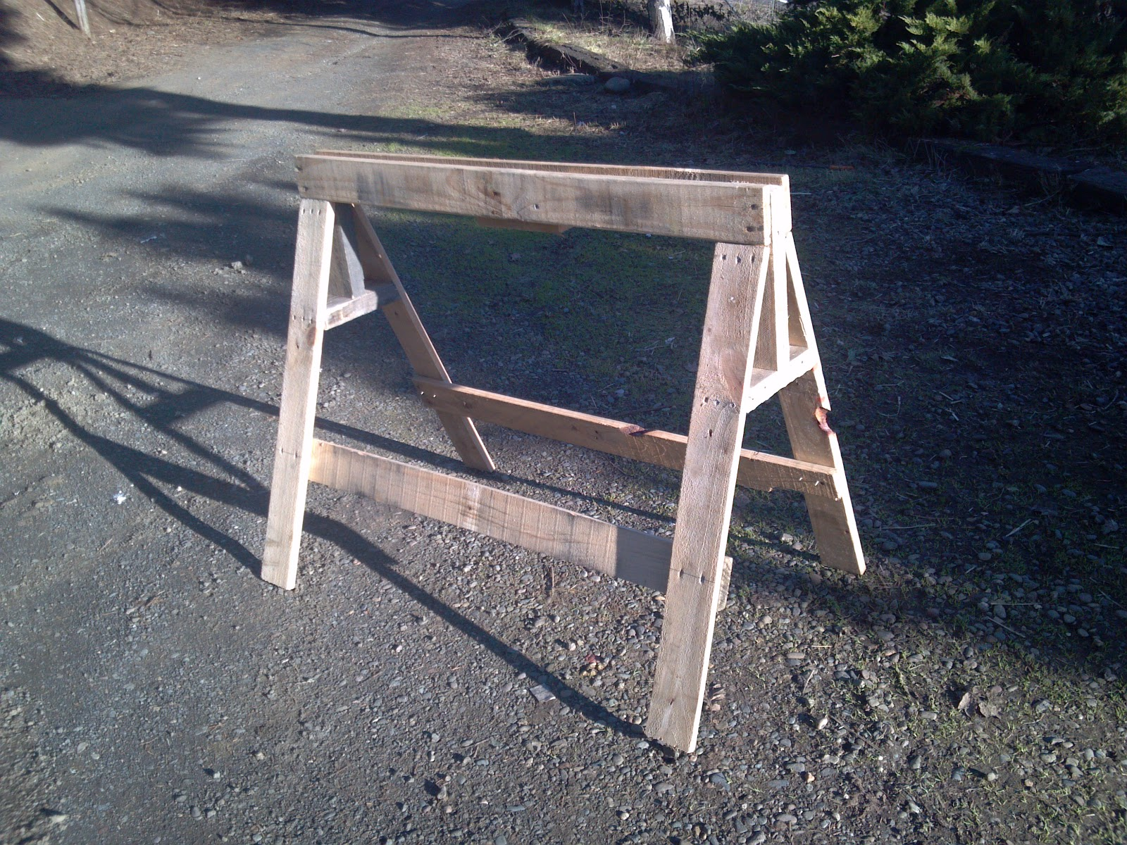 Caballete hecho con palets madera - Caballetes para mesa ...