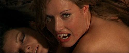 http://www.vampirebeauties.com/2013/05/vampiress-review-le-fille-de-dracula.html